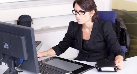 administracion-oficina-sector-profesion-colombia