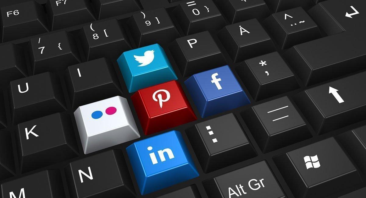 informatica-digital-redes-sociales-sector-profesion-colombia
