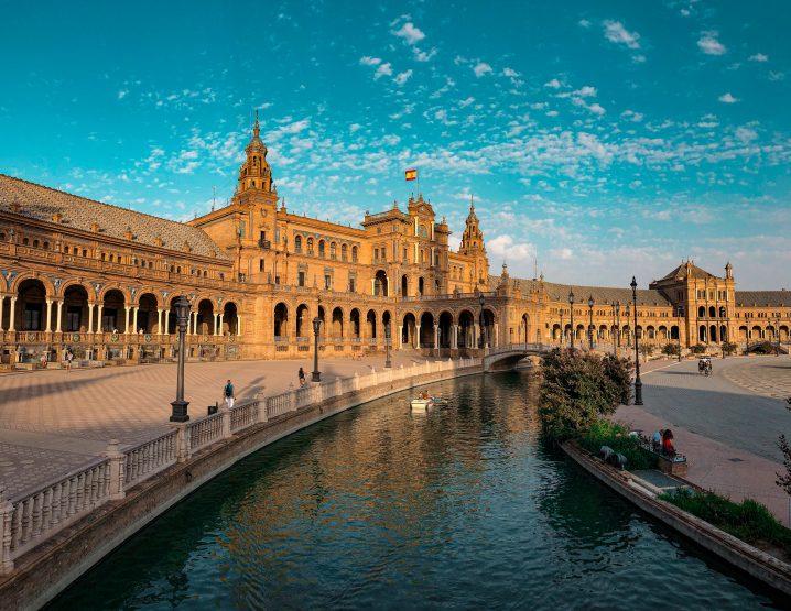 estudiar-y-residir-en-espana-sevilla
